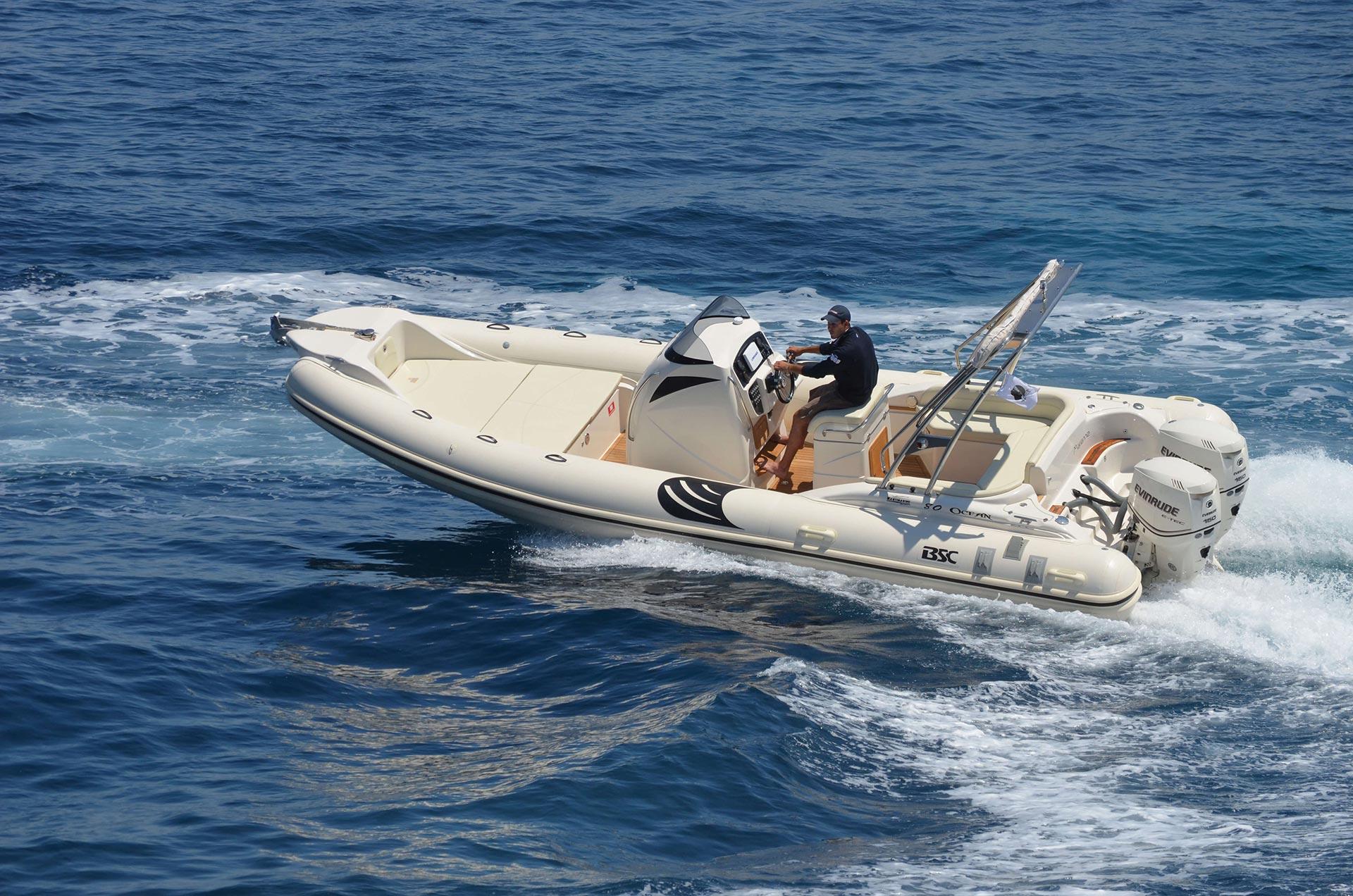 bateau a moteur semi rigide BSC hyeres